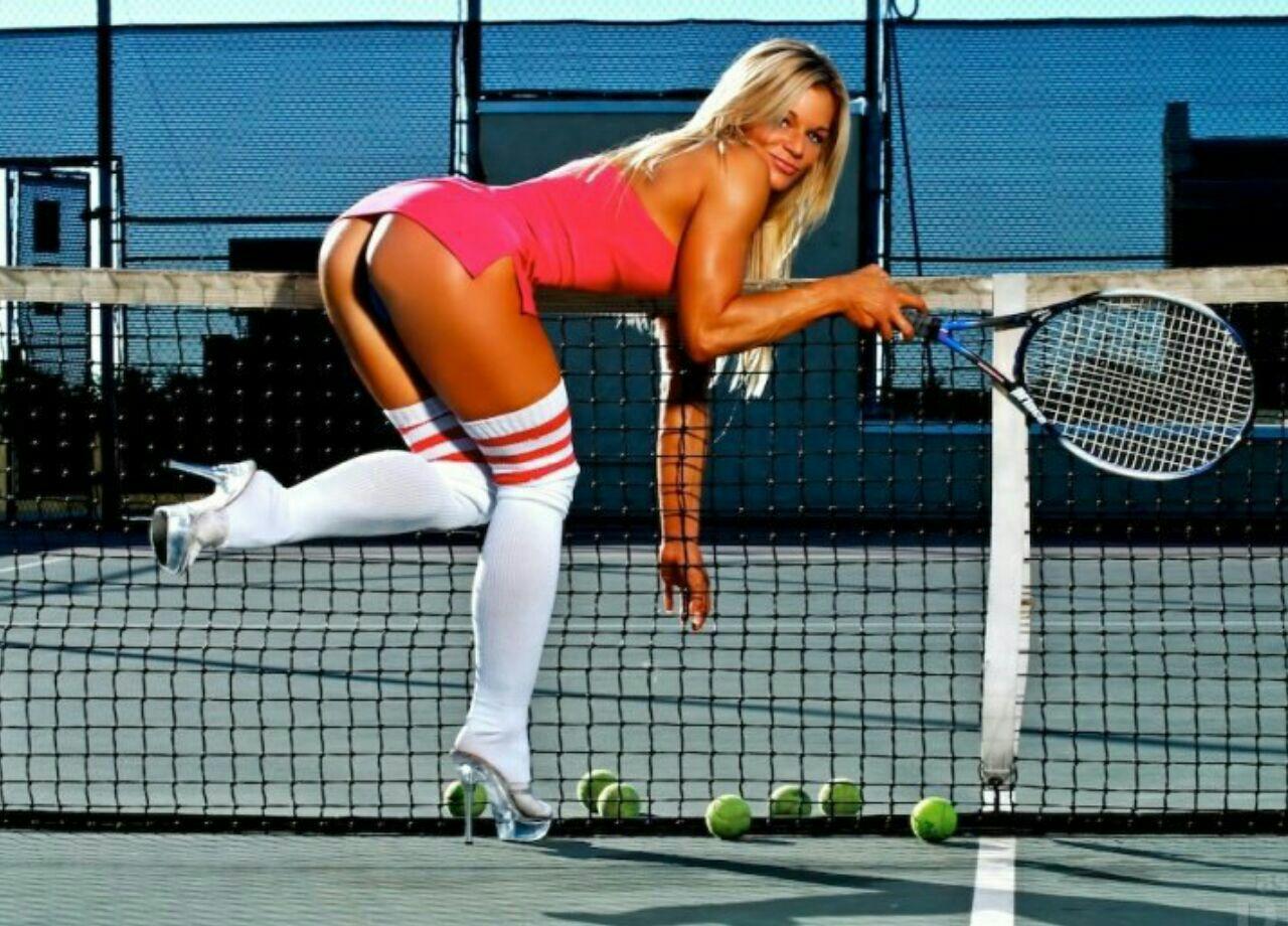 на теннисном корте эро подслушать