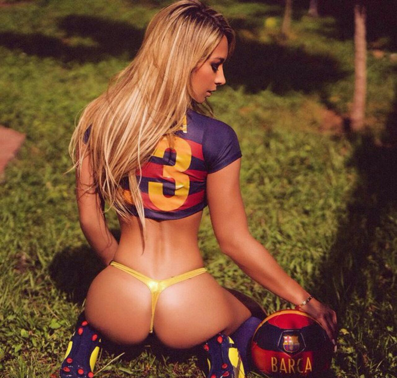 Sexy footballers girls 5