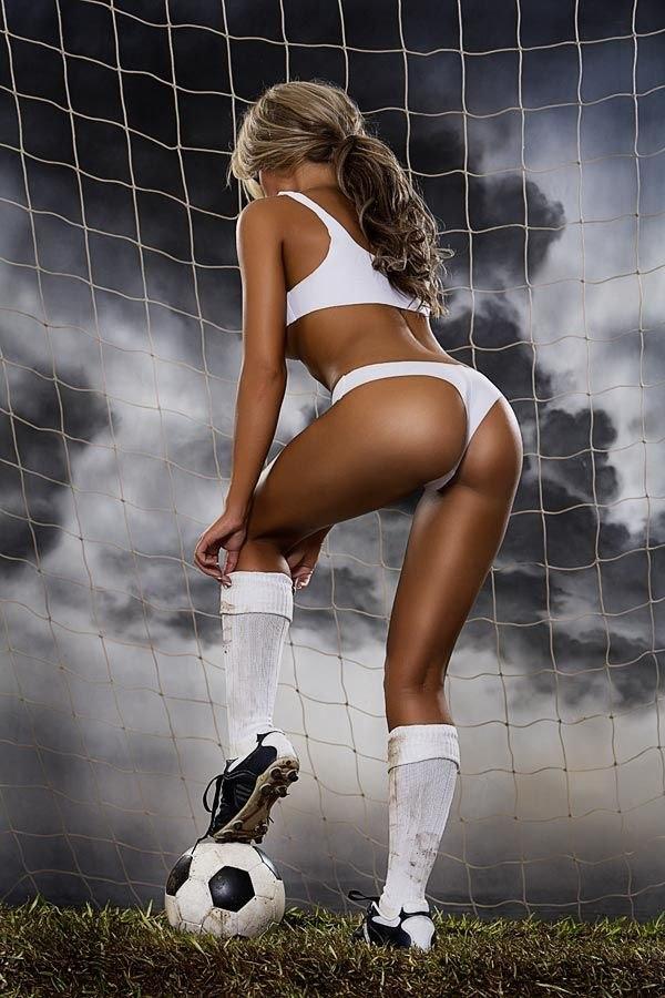 усердно телочки футболистки фото чувствовал
